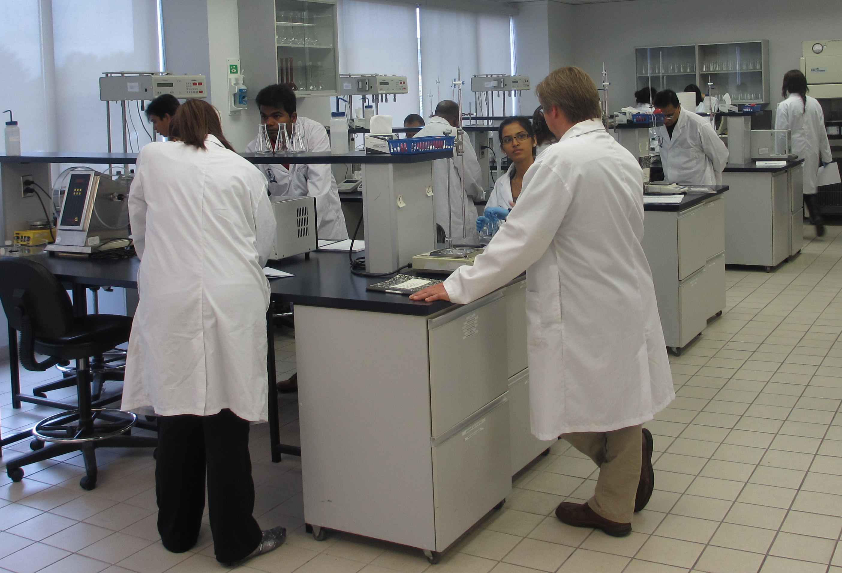 AAPS Students Practicing Experiments in the Lab