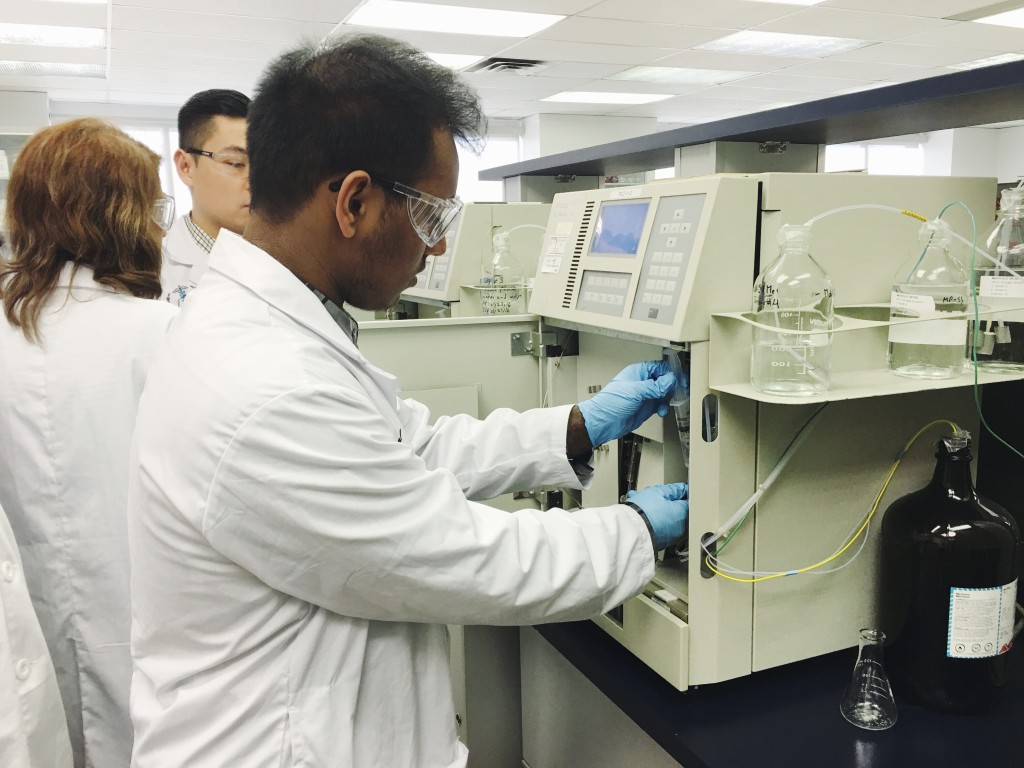 Here, students learning how to equilibrate HPLC system prior to analysis.